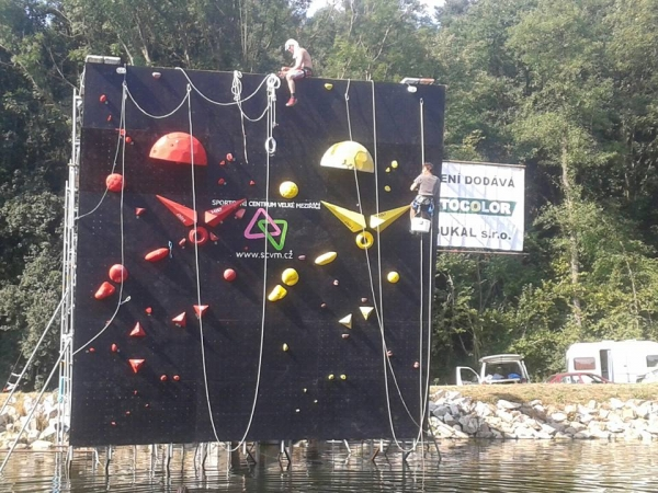 Psicobloc Masters/ Water Boulder Games